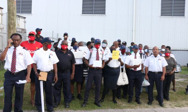 G4S GUARDS BACK ON STRIKE