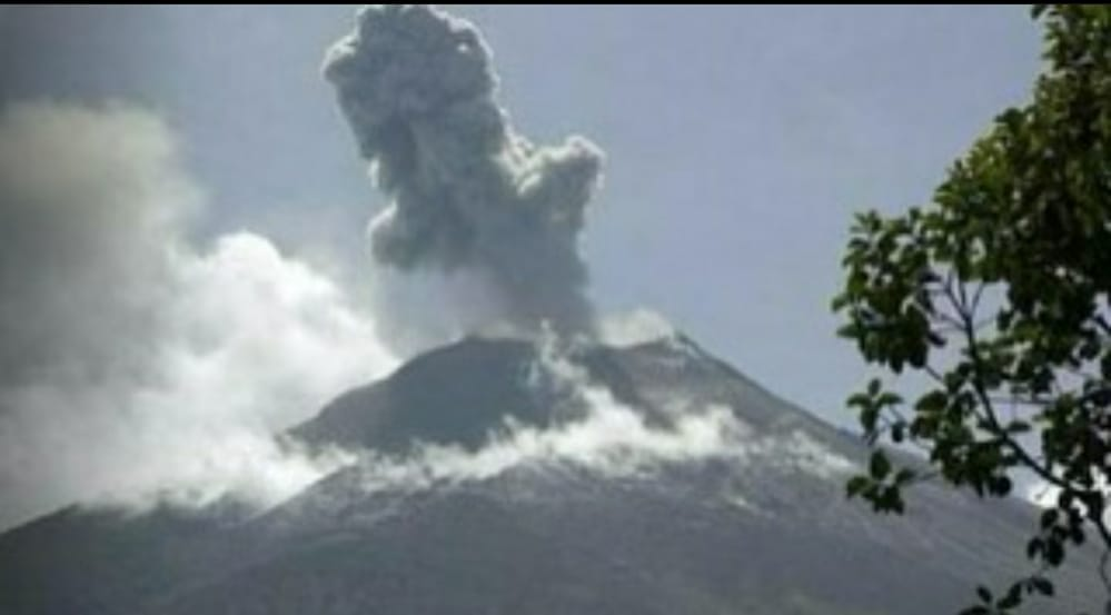 VINCENTIANS WARNED TO STAY CLEAR OF LA SOUFRIERE VOLCANO